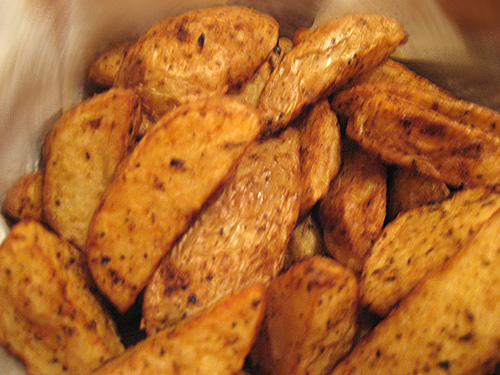 Τηγανητές πατάτες με τη φλούδα (potato wedges)