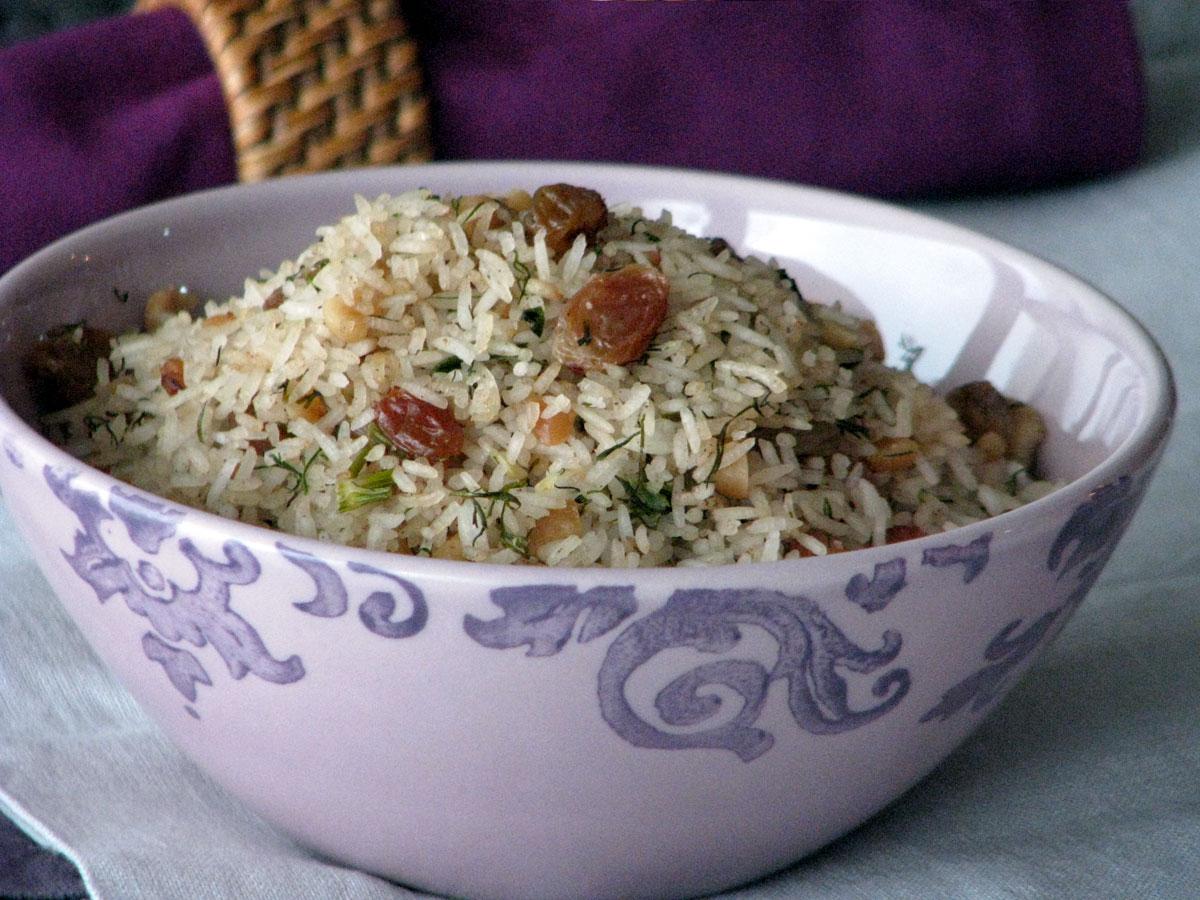 Ρύζι μπασμάτι (basmati) με ξηρούς καρπούς και άνηθο